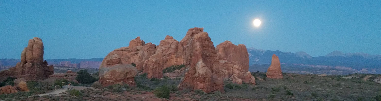 Moonrise Arches
